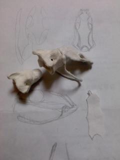 蛇骨・頭を作っている