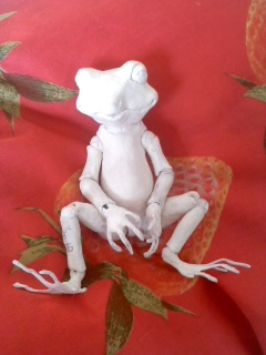 カエル全身を仮組み